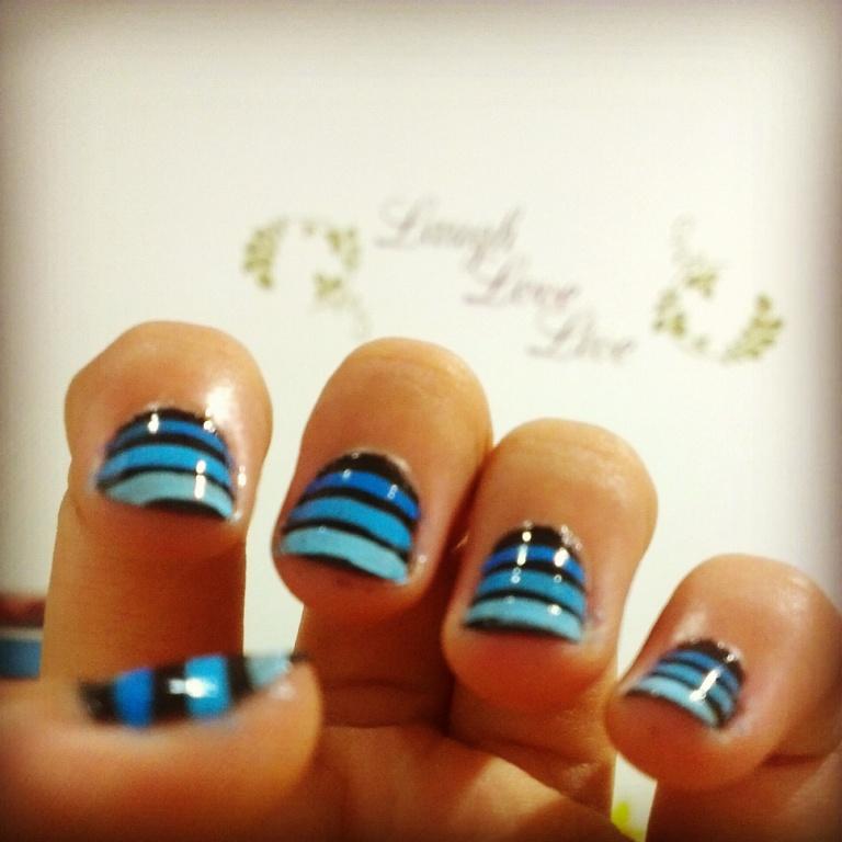 Nail Art 2 Blue Ombre Lines Tutorial Evitiev Beauty